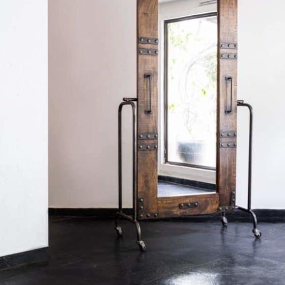magnolia-furniture-store-mirror-mumbai