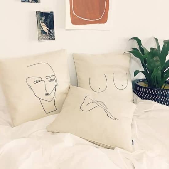 faceline-art-on-pillows